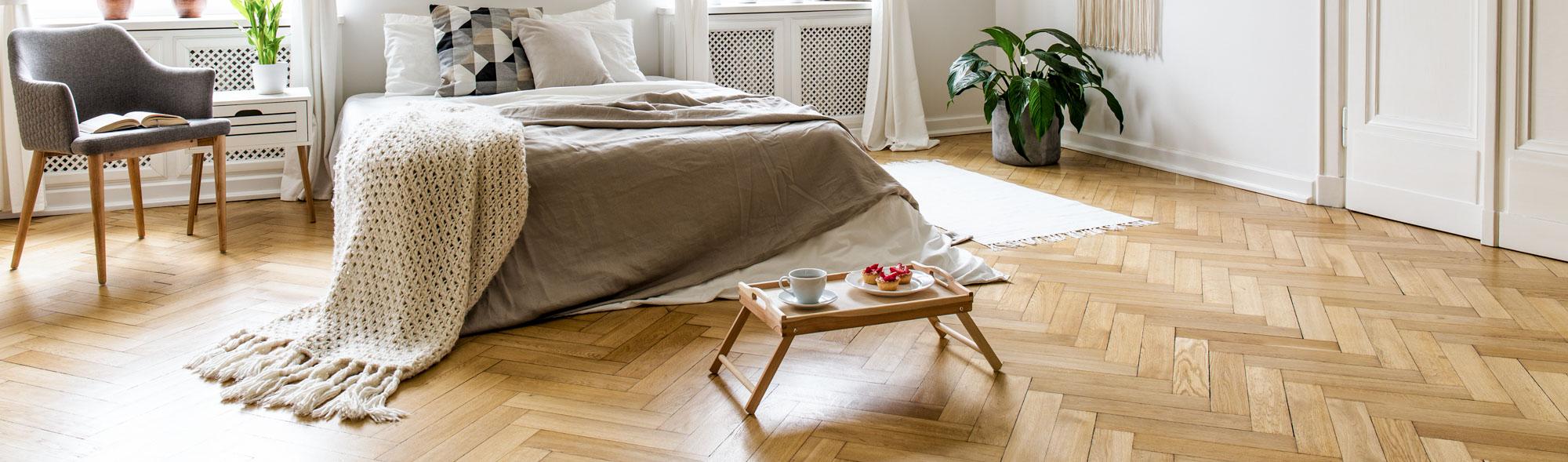 levigatura legno pavimenti parquet borgosesia